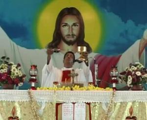 NTQ1NDU4MjUz_o_14082011-holy-eucharist
